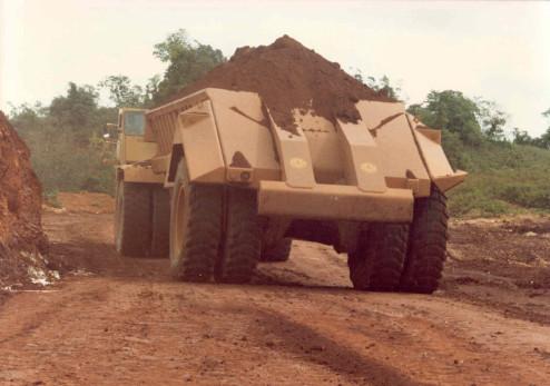 Bottom Dump Earthwagons - BW-90 Bauxite Wagon 772